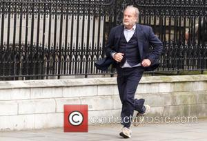 Kelsey Grammer - Kelsey Grammer and Mathew Horne film scenes for 'Breaking the Bank' in Central London - London, United...