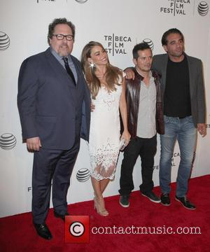 Jon Favreau Tackles Food Bloggers In Hipsterish 'Chef'
