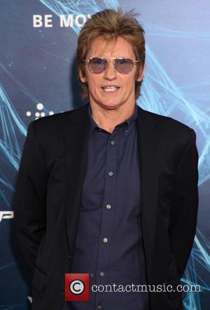 Denis Leary Donates New Equipment To Detroit Firefighters