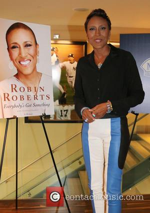 Robin Roberts - Robin Roberts signs copies of her book entitled 'Everybody's Got Something' at NYY Steak - New York...
