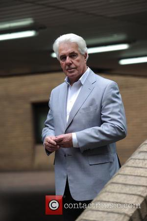 Max Clifford - Max Clifford arriving at Southwark Crown Court - London, United Kingdom - Thursday 24th April 2014