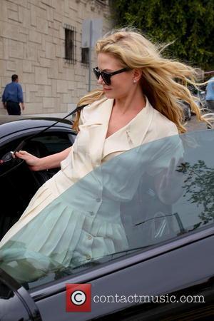 Jennifer Morrison - Jennifer Morrison seen leaving The Face Place - Los Angeles, California, United States - Friday 25th April...