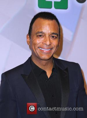 Jon Secada To Lead Estefan Tribute At Hall Of Fame Gala