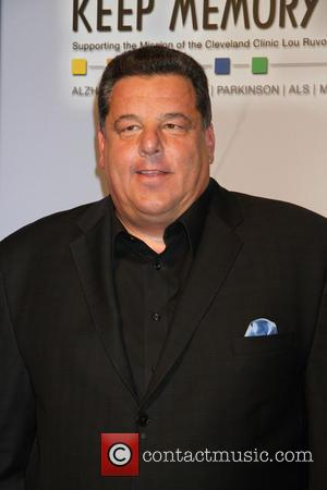 Steve Schirripa