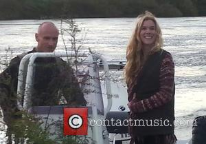 Joss Stone Launches Poppy Appeal With Early Morning Vigil