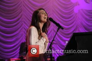Sara Bareilles Stages Fan Proposals For New Music Video