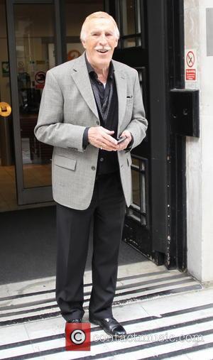 Bruce Forsyth - Bruce Forsyth seen leaving Radio 2 - London, United Kingdom - Monday 28th April 2014