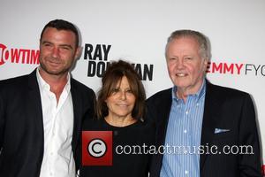 Liev Schreiber, Ann Biderman and Jon Voight