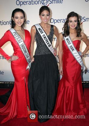 Erin Brady, Elvira Devinamira and Gabriela Isler