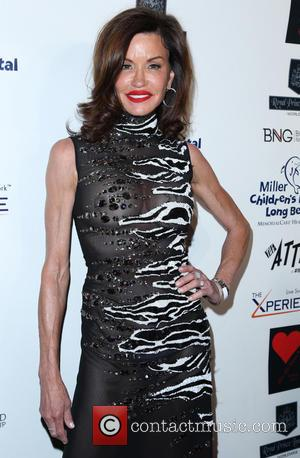 Janice Dickinson Undergoes Breast Augmentation Surgery On Tv