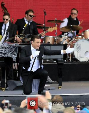 Robbie Williams - Robbie Williams performs live at the Top of the Mountain Concert in Ischgl - Ischgl, Austria -...