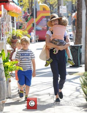 Julie Bowen, Oliver Phillips, Gustav Phillips and John Phillips - Julie Bowen and her three sons enjoy a morning together...