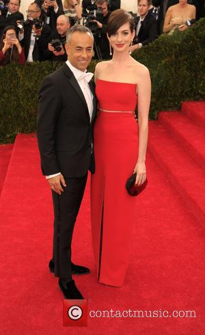 Francisco Costa and Anne Hathaway