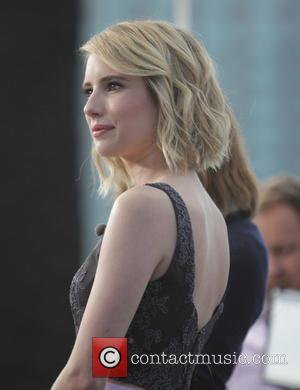 Emma Roberts - Emma Roberts appears on entertainment show 'Extra' at Universal City - Los Angeles, California, United States -...