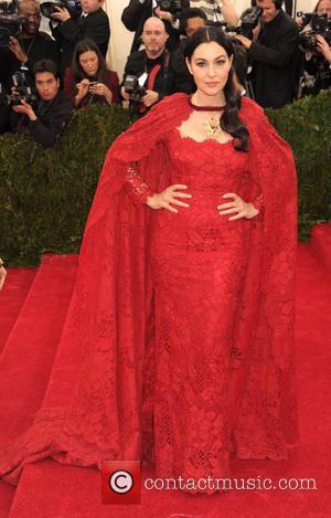 Monica Bellucci - 'Charles James: Beyond Fashion' Costume Institute Gala at the Metropolitan Museum of Art - Arrivals - Mantattan,...