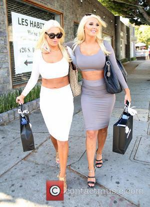 Karissa Shannon and Kristina Shannon