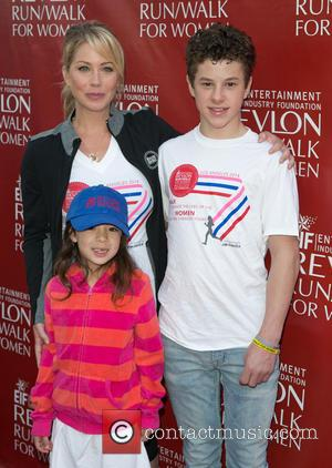 Christina Applegate, Aubrey Anderson-emmons and Nolan Gould