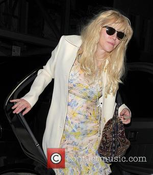 Courtney Love - Courtney Love arrives home after enjoying a night out at Chiltern Firehouse - London, United Kingdom -...