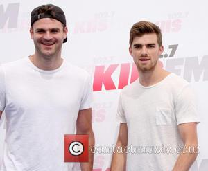 The Chainsmokers Singer Upset With Disastrous Vmas Performance