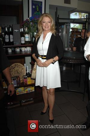 Mary Hart - Lynda Carter accepts her star on on the Palm Springs Walk of Stars at Café Europa -...