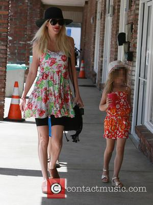 Tori Spelling and Stella Mcdermott
