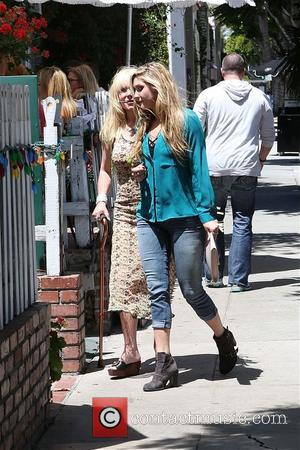 Pamela Bach - Pamela Bach visits The Ivy with her daughter for Mother's Day - Los Angeles, California, United States...