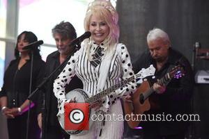 Dolly Parton - Dolly Parton performing live as part of NBC's Toyota Concert Series at Rockefeller Plaza - New York...
