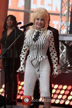 Dolly Parton - DOLLY PARTON Performs On NBCs