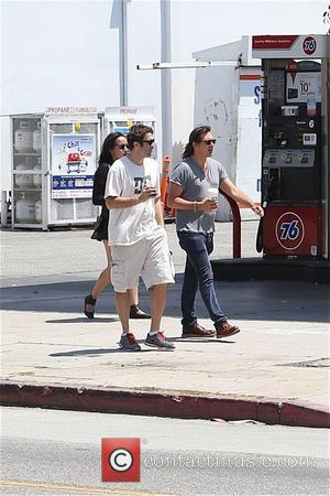 Lukas Haaas - Lukas Haas enjoys coffee on Robertson Boulevard with a friend - Los Angeles, California, United States -...