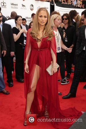 Jennifer Lopez Goes Vegan