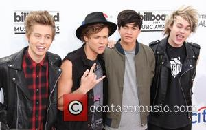 Ashton Irwin, Calum Hood, Luke Hemmings and Michael Clifford - 2014 Billboard Awards Red Carpet at the MGM Grand Resort...