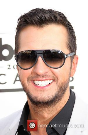 Luke Bryan Received Stitches After Falling Off Stage During Mid-Performance At Charlotte Concert