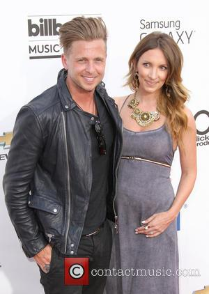 Ryan Tedder and Genevieve Tedder - 2014 Billboard Awards Red Carpet at the MGM Grand Resort Hotel and Casino -...