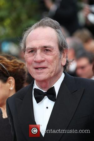 Tommy Lee Jones Broke Two Ribs Before Filming New Movie