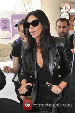 Kim Kardashian - Kim Kardashian heads to france for her...
