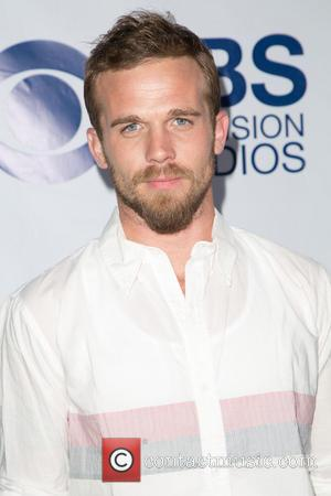 Cam Gigandet Takes Aim At Former The O.c. Co-stars