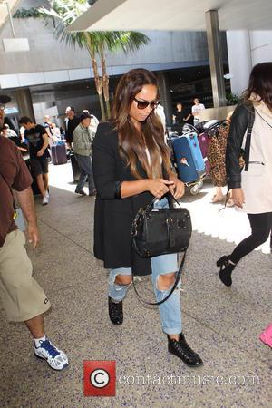 leona - Leona Lewis arrives at Los Angeles International (LAX) Airport - Los Angeles, California, United States - Tuesday 20th...