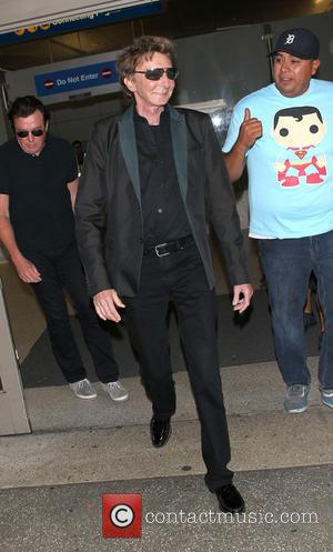 Barry Manilow - Barry Manilow at Los Angeles International Airport (LAX) - Los Angeles, California, United States - Wednesday 28th...