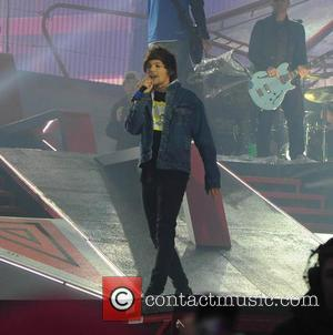 Louis Tomlinson - One Direction kick off 'Where We Are Tour' in Sunderland - Sunderland, United Kingdom - Wednesday 28th...