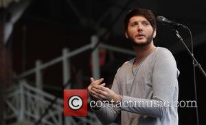 James Arthur Shows Off Wounds After Bar Brawl