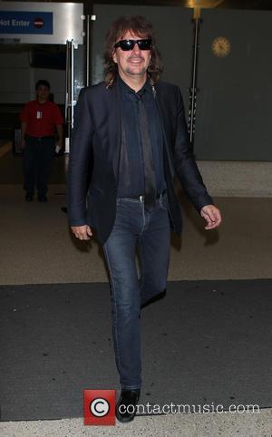 Richie Sambora - Richie Sambora at Los Angeles International Airport (LAX) - Los Angeles, California, United States - Monday 2nd...