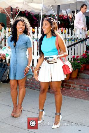 Angela Simmons - Angela Simmons At The Ivy