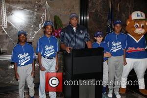 Bernie Williams, Harlem Little Leaguers and Dougout