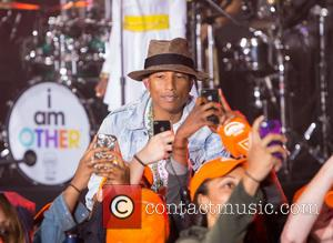 Pharrell Williams - Pharrell Williams performs his hits songs