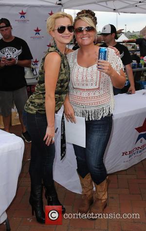 Kellie Pickler - Kellie Pickler Meet and Greet at Redneck Riviera at The 2014 CMA Music Festival Nashville - Nashville,...