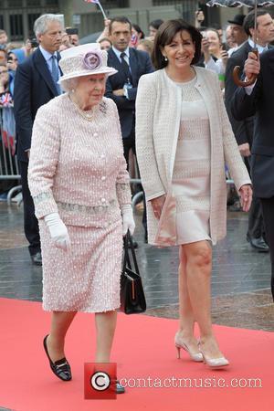 The Queen, Anne Hidalgo and Queen Elizabeth Ii