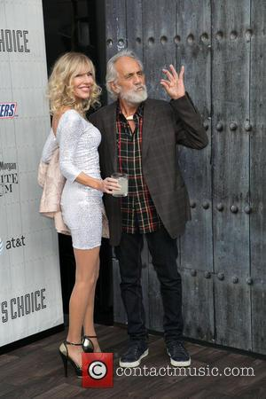 Shelby Chong and Tommy Chong - Spike TV's 'Guys Choice' 2014 at Sony Pictures Studios - Arrivals - Los Angeles,...