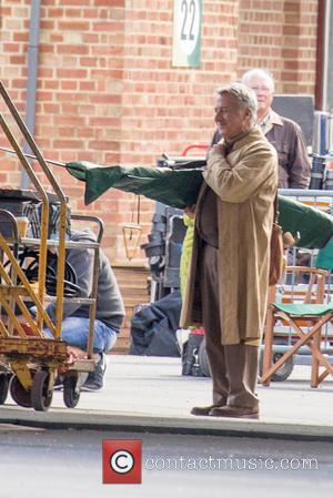 Dustin Hoffman - Dustin Hoffman spotted filming scenes for 'Esio Trot' - London, United Kingdom - Wednesday 11th June 2014
