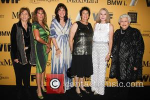Clare Baren, Hillary Bibicoff, Chevonne O'shaugnessy, Hollace Davids, Ellen Olivier and Marion Rosenberg