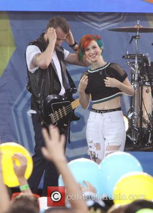 Paramore Axe Texas Shows As Hayley Williams Battles Exhaustion